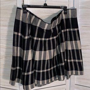 Black and white Torrid plaid plus size skirt 4x
